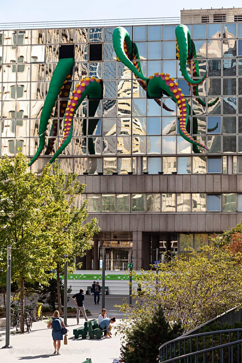 La Defense Octopus